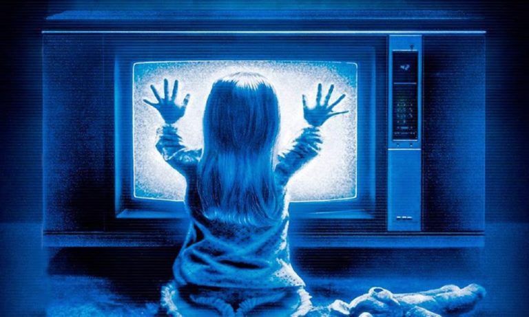 The Poltergeist Review – Unexplained Deaths & Paranormal Activities on Set.